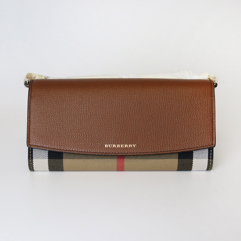 BURBERRY COLLECTION